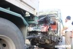 Xe tải tông container trên quốc lộ 1A: Phá cabin đưa thi thể lái xe, phụ xe mắc kẹt ra ngoài