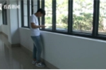 Cảnh báo:  Bé trai 10 tuổi bị dãn đốt sống cổ vì nghiện game