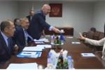 Video: Nhà ngoại giao hàng đầu châu Âu nhất quyết từ chối cà phê quan chức Nga mời