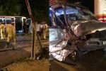 Va chạm xe tải, xe khách nát bét đầu, nhiều người bị thương
