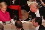 Ông Trump và bà Clinton nói kháy nhau tại tiệc từ thiện