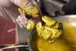 Thưởng thức cánh gà chiên dát vàng 24 carat đắt nhất thế giới
