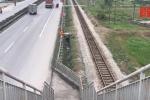 Hải Dương: Thiếu tiền thi công, cầu vượt đi bộ dẫn thẳng xuống quốc lộ 5
