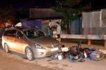 Người nước ngoài lái ôtô tông hàng loạt xe máy trên phố Sài Gòn