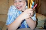 Mắc bệnh 'lạ', cô bé ngộ độc vì ăn bút chì