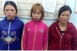 Bắt 3 'nữ quái' gạ khách massage kích dục để trộm tiền