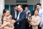 Thủ tướng thăm người dân vùng tâm bão Khánh Hòa