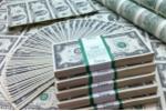 Đồng USD tiếp tục vượt đỉnh: Ngân hàng Nhà nước nói gì?