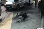Bị xử phạt, nam thanh niên đốt xe máy trước mặt CSGT giữa Sài Gòn