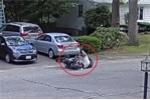 Clip: Lái mô tô mới mua, nam thanh niên 'ngã chỏng vó' liên hoàn