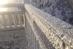 Thời tiết xuống 0 độ C, du khách thích thú ngắm tuyết rơi trên đỉnh Fansipan