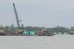 Lên tàu kiểm tra, 3 cán bộ bị cát tặc đẩy xuống sông
