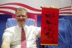 Đại sứ Mỹ Kritenbrink đăng ảnh cổ vũ U23 Việt Nam trước chung kết với U23 Uzbekistan