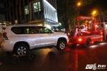 Video: Ông Đoàn Ngọc Hải 'xử' 2 ô tô biển ngoại giao chiếm hết vỉa hè trước khách sạn 5 sao