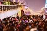 'Biển người' lại chen chúc tràn ra đường cầu an ở chùa Phúc Khánh
