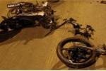Xe máy nát bét sau cú va với xe tải, nam thanh niên chết tại chỗ