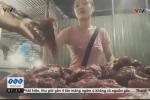 Hãi hùng thủ đoạn làm giả thịt bò tinh vi đến chính người bán cũng không phân biệt nổi