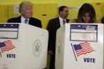 Video: Trump 'liếc trộm' lá phiếu của vợ vì sợ không bầu cho mình?