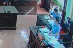 Xét xử bác sĩ Hoàng Công Lương: Nữ kiểm sát viên xinh đẹp xin lỗi luật sư và bị cáo