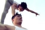 Video: Xem lại những màn xiếc chồng đầu thách thức tử thần của Quốc Cơ - Quốc Nghiệp