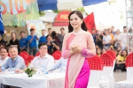 A hau Phuong Nga giao luu voi sinh vien truoc ngay len duong thi 'Hoa hau Hoa binh Quoc te 2018' hinh anh 1