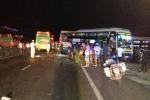 Xe khách tông nhau liên hoàn khiến 4 người thương vong