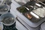 Bữa ăn 19.000 đồng chỉ có rau muống và ít cá: Phòng GD-ĐT Thanh Hoá xử lý thế nào?