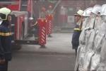 Video: Hơn chục xe cứu hỏa đắt tiền diễn tập chữa cháy chợ Hà Đông