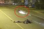 Xe máy 'điên' phóng tốc độ kinh hoàng, gây tai nạn rồi trượt trên mặt đường tóe lửa