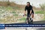 Đạp xe ngược chiều, cựu tổng thống Pháp bị cảnh sát thổi phạt