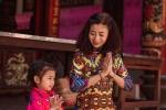 Gia dinh han che nguoi vao tham de dam bao suc khoe cho Mai Phuong hinh anh 1