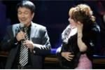 Sau khi tố Ngọc Anh vô ơn, Phú Quang mừng sinh nhật 'nàng thơ' mới ngay trên sân khấu