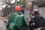 Hiệp sĩ Bình Dương đuổi bắt thanh niên đột nhập nhà dân trộm xe máy