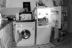 Video: Lắp camera, kinh hãi phát hiện ma làm tủ lạnh và máy giặt tự động đóng mở về đêm