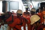 Vượt biển ngày cuối năm cứu kịp thời ngư dân gặp nạn