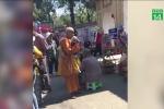 TP.HCM: Ăn xin, cờ bạc nhan nhản trước cổng đền chùa dịp đầu năm