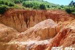 Cận cảnh những hố sâu đáng sợ nơi khai thác vàng trái phép tại Huế