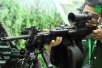 Clip: Người Hà Nội được thử đủ loại súng trường, tiểu liên hiện đại