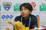 Thua trận ra quân V-League, HLV Miura chê thậm tệ sân Thanh Hóa