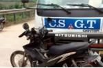 Xe CSGT tông xe máy, nam thanh niên bị chấn thương sọ não
