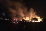 Nhà xưởng hơn 1.000 m2 ở Bình Dương bốc cháy dữ dội trong đêm