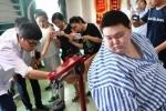 Người đàn ông béo nhất Trung Quốc giảm thần kì gần 100 kg sau sự cố ngã không tự dậy nổi
