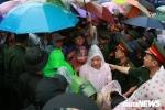 Ảnh: Hàng nghìn người đội mưa dự lễ Giỗ tổ Hùng Vương 2018