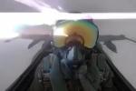 Clip: Khoảnh khắc tia sét đánh trúng chiến cơ của Không quân Kuwait