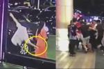 Clip: Vỗ mông phụ nữ trên phố, gã say bị đánh hội đồng nhừ tử