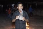 Video: Người đàn ông liếm lưỡi cày nung đỏ để xua đuổi tà ma ở Hà Giang