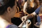 Fan Việt rút ATM 16 triệu đồng mua vé xem MAMA giờ chót