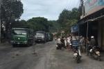 Dân chặn 150 xe tải gây ô nhiễm, gây tắc đường nhiều giờ đồng hồ