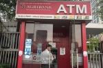 Hàng loạt khách hàng vừa mất tiền trong tài khoản ATM: Agribank tăng phí dịch vụ