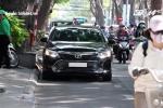 TP.HCM: Sợ bị phạt, tài xế bật đèn khẩn cấp để lách luật